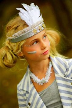 MODERN QUEEN kids: Birds of a Feather Crown in Silver and Confetti Necklace in Silver