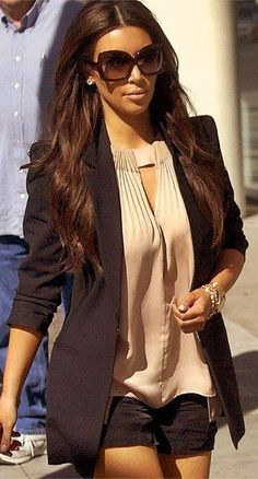 love the top, love the jacket, love the sunglasses, love her hair. <3