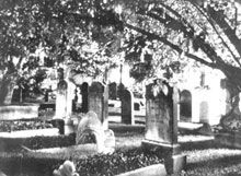 """About the Reports by Drayton Hastie, owner of Battery Carriage House Inn In a historic city that preserves remnants of the past, it seems natural that former inhabitants would still lurk about. In Charleston, you'll find that spirits are just as much a part of the city as the living. Known as """"Charles"""