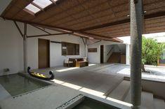 irresistible internal courtyard - Vastu House / Khosla Associates