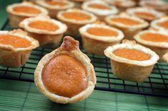 Pumpkin Pie Bites!!  Halloween and Thanksgiving ideas for a small dessert!  Great idea!! fall-halloween