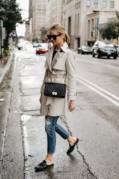 Upgrade Your Style Fall Trend With Trench Coat Outfit Trench Coat Outfit, Trench Coat Style, Trench Coat Women, Rain Trench Coat, Coat Dress, Ugly Outfits, Mode Outfits, Fashion Outfits, Fashion Coat