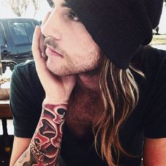 We love man with long hair *__*