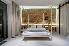 Young family apartment in Kiev by 2B Group (18) dormitorio, ladrillo visto