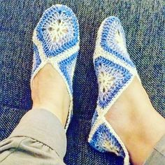 Crochet granny square slippers Granny Square Slippers, Crochet Granny, Espadrilles, Stitch, Knitting, Instagram Posts, Handmade, Construction, Ideas