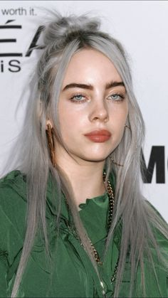 Celebs How much is Billie Eilish Worth ? Billie Eilish, Videos Instagram, Style Outfits, Models Makeup, Mode Inspiration, Girl Crushes, Selena, My Idol, Divas