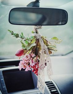 Johanna Love brightens her commute with this bouquet of flowers tied to the rearview mirror. Find this and other creative living ideas inside Somerset Life. Magazine Pictures, Green Craft, Mantle Piece, Stunning Photography, Recycled Art, Spring Day, Rear View Mirror, Art Of Living, Simple Pleasures