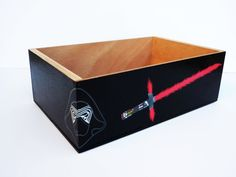 Star wars the force awakens storage box Toy Boxes, Storage Boxes, Wooden Table Lamps, Handmade Table, Star Wars Darth, Star Wars Episodes, Lightsaber, Wooden Boxes, Toy Chest