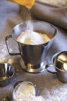 Ruoka-aineiden mitat ja painot   Martat Martini, Coffee Maker, Kitchen Appliances, Tableware, Food, Kite, Coffee Maker Machine, Diy Kitchen Appliances, Coffee Percolator