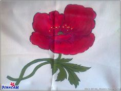Pintura en tela. Flor pintada por Vicenta. #manualidades #pinacam #pintura #tela                               www.manualidadespinacam.com
