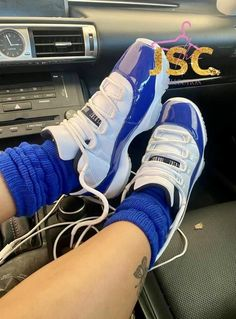 Jordan Shoes Girls, Girls Shoes, Pictures Of Shoes, Goth Shoes, Nike Air Shoes, Fresh Shoes, Hype Shoes, Everyday Shoes, Pretty Shoes