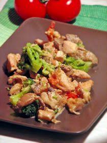 Culinaricum: Laskás-brokkolis csirkeragu Hungarian Recipes, Hungarian Food, Kung Pao Chicken, Potato Salad, Paleo, Potatoes, Menu, Ethnic Recipes, Menu Board Design