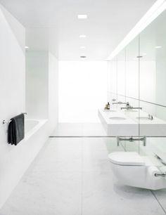 Calora @ Domain - Ian Moore Bathroom #bathroom #interiordesign #modern #minimalist