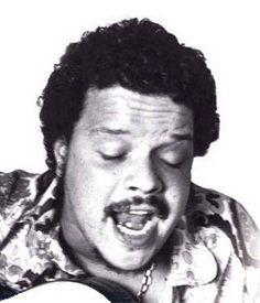 TIM MAIA - cantor, compositor, maestro e multi-instrumentista carioca de Niterói que mesclou com sua voz rouca a MPB e o Soul.  Uma figurassa! Clique na foto para acessar o site oficial.