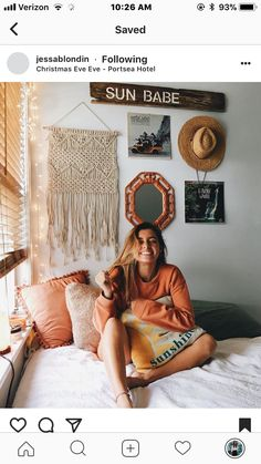 i like the eclectic, unique wall décor. good ideas