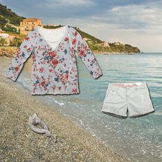 www.40weft.com A romantic look  #holidaylook #40weft #SS2014 #romantic #sunset #summer #sea #womenfashion #outfit #flower #shorts #bandana #golook  #picsoftheday #fashionblogger #repin