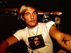 David Wooderson from Dazed and Confused is my dream man, this was a good look for Matthew McConaughey