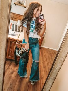 Source by outfits Cute Cowgirl Outfits, Western Outfits Women, Rodeo Outfits, Country Western Outfits, Western Dresses, Girly Outfits, Country Girls, Stylish Outfits, Cowgirl Mode