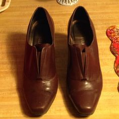 Vaneli Brown Shoes These shoes are made by: Vaneli. They have been worn  but are in very good condition. They have been kept in the box. They are brown leather. They are kind of like shoe boots. They have a heel to them. They look great with jeans! Vaneli Shoes