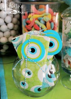Monster candy bars wrapped with bakers twine from #pickyourplum #PYP #bakerstwine Michelle's Party Plan-It: Monsters Pre-Scare School