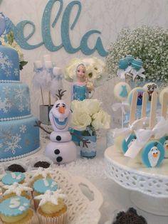 Atelier Tati Sabino's Birthday / Frozen (Disney) - Photo Gallery at Catch My Party Frozen Crafts, Frozen Art, Frozen Disney, Frozen Birthday Cake, Frozen Theme Party, Disney Birthday, Frozen Wreath, Frozen Ornaments, Frozen Poster