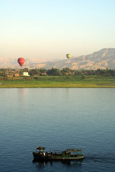 Boat and Hot Air Balloons Balloon Rides, Hot Air Balloon, Travel Goals, Balloons, Boat, Mountains, Explore, Outdoor, Outdoors