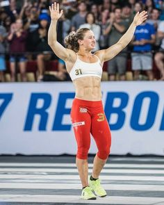 Just when we thought Aussie girl Tia-Clair Toomey couldn't get anymore boss (or fit), she went and won the entire 2017 Reebok CrossFit Games, officially making Crossfit Games, Reebok Crossfit, Crossfit Body, Body Fitness, Physical Fitness, Workout Fitness, Fitness Women, Fitness Plan, Black Fitness