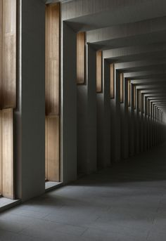 Gallery of Royal Collections Museum / Mansilla + Tuñón Arquitectos - Light Architecture, Architecture Details, Interior Architecture, Interior And Exterior, Luigi Snozzi, Brutalist, Architectural Elements, Light And Shadow, Light In The Dark