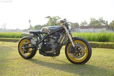 1995-Suzuki-Bandit-GSF400-Naked-Cafe-Project-3