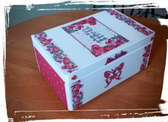 Krabica spomienok červená