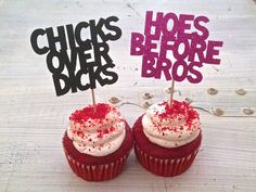 "These ""Chicks Before Dicks"" and ""Hoes Before Bros"" cupcake toppers are the perfect decoration for your anti-Valentines party! By Hawthorne Ave on Etsy Funny Valentines Day Quotes, Hate Valentines Day, Valentines For Singles, Valentines Day Treats, Valentines Day Decorations, Valentine Party, Breakup Party, Happy Galentines Day, Valentinstag Party"