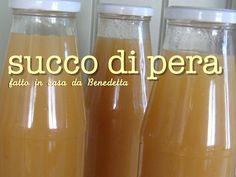 – Il succo di frutta alla pera fatto in casa semplice e veloce. Un metodo facile per l'autoproduzione del succo di frutta senza