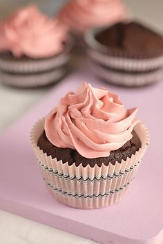 Donna Hay's Double Chocolate Cupcakes look so elegant and very tasty. These are rich, chocolate cupcakes with cocoa and melted dark chocolate, for double Buttercream Cupcakes, Cupcake Frosting, Baking Cupcakes, Yummy Cupcakes, Cupcake Cookies, Cupcake Recipes, Dessert Recipes, Gourmet Cupcakes, Pink Cupcakes
