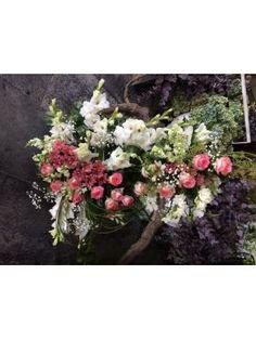 კომპოზიცია Funeral, Floral Wreath, Wreaths, Plants, Image, Home Decor, Homemade Home Decor, Flower Crowns, Door Wreaths
