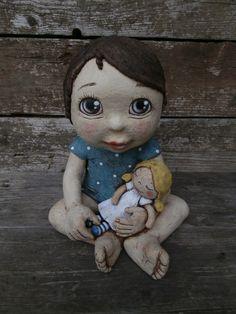Anička se svou oblíbenou panenkou Salt Dough, Collectible Figurines, Ceramic Pottery, Face And Body, Puppets, Painted Rocks, Art Dolls, Smurfs, Projects To Try