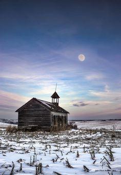 The abandoned Blackstone school house in Nebraska.