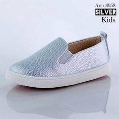 anak sepatu slip on silver on sale