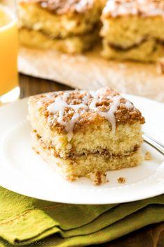 Old Fashioned Crumb Cake Recipe on sallysbakingaddiction.com-- click through for the simple recipe!