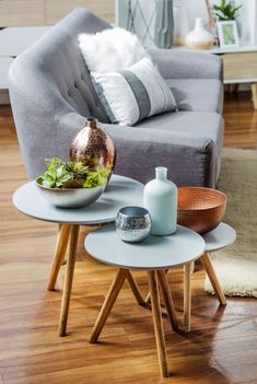Apartment ideas on a budget couples coffee tables 16 ideas - Apartment Decoration Small Room Bedroom, Small Living Rooms, Living Room Decor, Apartment Decorating For Couples, Rental Decorating, Apartment Ideas, Home Furniture, Diy Home Decor, Table Decorations