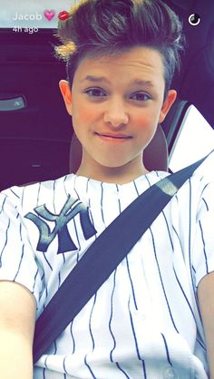 Theres my bae! My Future Boyfriend, Future Husband, Jacob Sartorius Hair, Jacob Satorius, Musically Star, Magcon, Celebs, Celebrities, Cute Guys