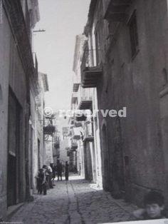 wwii-7-1943-gela-sicily-city-street-_ww2-gela-sbarco