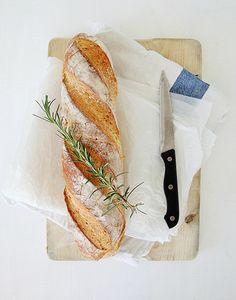 Herb chicken wing recipe + pics w/ pretty table decorating ideas.