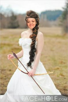 FACEinHOLE - HUNGER GAMES WEDDING
