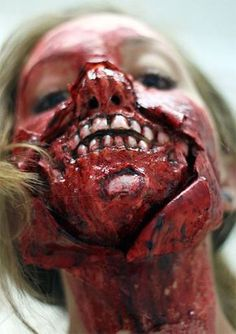 Halloween Zombie Face Make Up Halloween Zombie, Zombie Prom, Halloween Make Up, Halloween Face Makeup, Horror Makeup, Scary Makeup, Fx Makeup, Makeup Ideas, Movie Special Effects