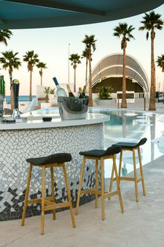 POINT. Marina Beach Club. Valencia Collections: ROUND, ARC and COLORS