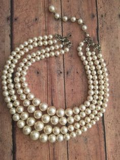 Beautiful Vintage Faux Pearl Necklace / Newly Restrung / Multi Strands / Graduated Beads / Ivory Col Antique Pearl Necklace, Real Pearl Necklace, Pearl Jewelry, Pearl Bracelets, Pearl Rings, Pearl Necklaces, Swarovski Jewelry, Jewelry Bracelets, Bangles