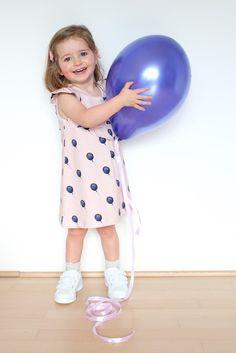 Lily en Woody: Blogverjaardag + tutorial ruffle sleeve for the Lila dress + give-away!!!