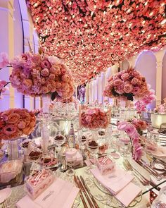 """LEBANESE WEDDINGS on Instagram: """"It's #FlowerFriday 💕 Feminine details and blush-toned flowers surrounded the guests at this intimate wedding in #Qatar 💕 Swipe for…"""" Wedding Table Setup, Lebanese Wedding, Blush, Feminine, Weddings, Table Decorations, Floral, Flowers, Beautiful"""