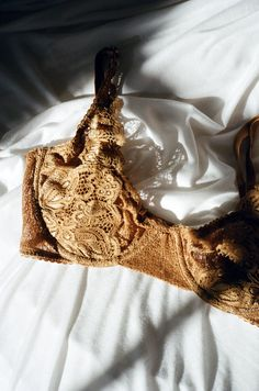 Sometimes all you need is a little lace lingerie. Throw it on for yourself, for your +1, for your dog - there's no denying it just makes you feel special. There's nothing a nice gold and some lace can't fix. Pair with the matching June briefs and a glass of wine.  By LONELY THE LABEL High support, m