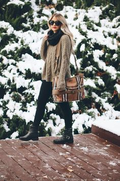 Love this winter look (& Frye booties)!